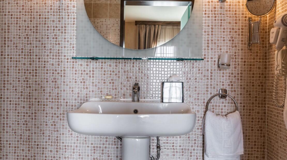 Bathroom suite1 with logo