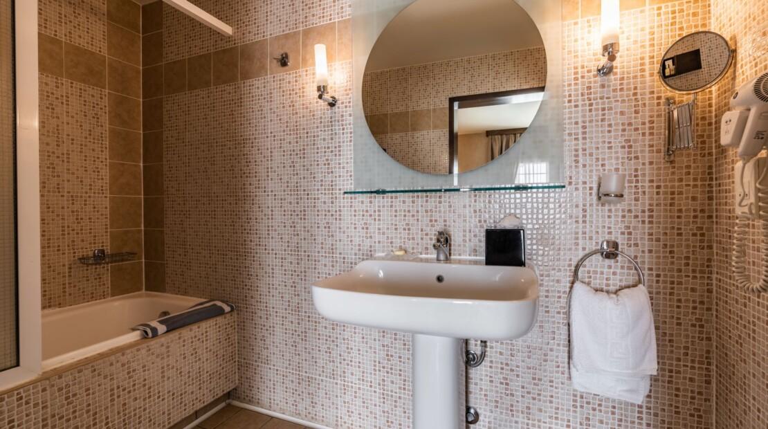 Bathroom suite2 with logo